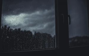 ¿Por qué se produce la condensación en paredes y ventanas?