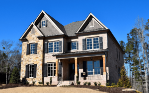 ¿Por qué elegir fachadas de cristal o de madera?