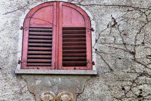Reparación de las diferentes tipos de grietas en una fachada monocapa